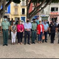La Vila Joiosa guarda un minuto de silencio en recuerdo de la mujer asesinada el día de ayer en el municipio